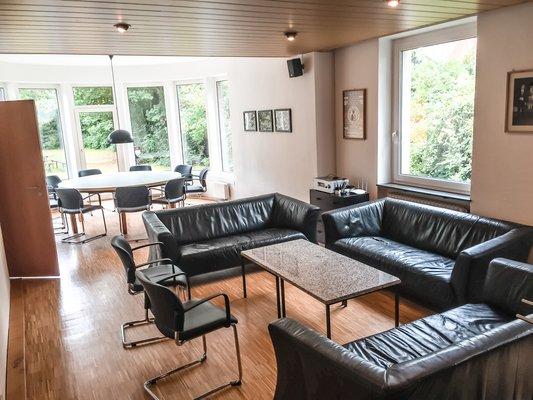 """Wohnzimmer und """"runder Tisch"""""""